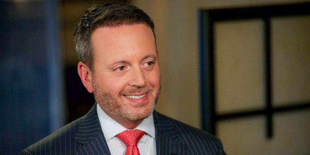 Brent Saunders: الرئيس التنفيذي لشركة (ألرغان) Allergan للأدوية.