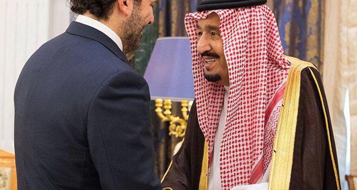 ملك السعودية سلمان بن عبدالعزيز ورئيس الوزراء اللبناني سعد الحريري في الرياض، السعودية 6 نوفمبر/ تشرين الثاني 2017