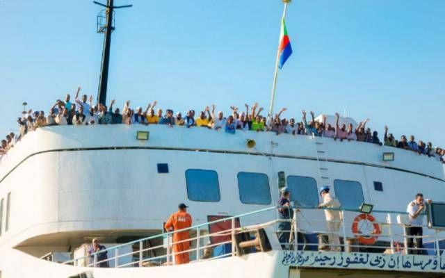 جانب من وصول أول سفينة حجاج بحراً