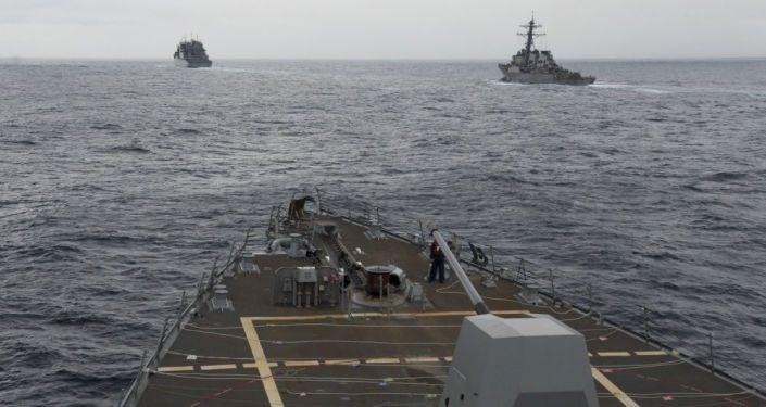 سفن حربية أمريكية في بحر الصين الجنوبي