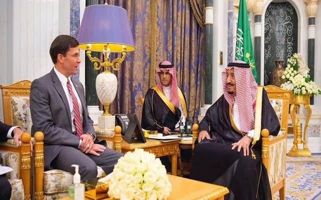 استقبال خادم الحرمين الشريفين، الملك سلمان بن عبد العزيز، وزير الدفاع الأمريكي مارك إسبر