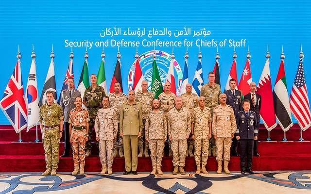 على هامش مؤتمر الأمن والدفاع بالسعودية