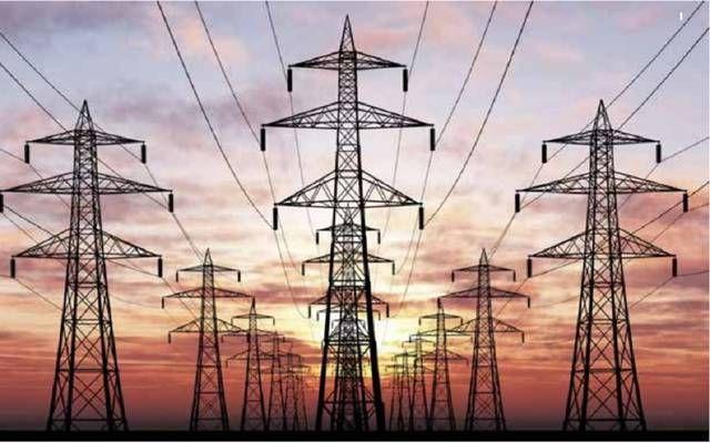 أعمدة نقل كهرباء بالمملكة العربية السعودية