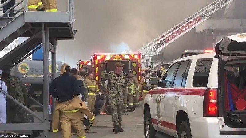 فيديو لحظة الكارثة.. التحقيق في 3 إنذارات حريق أطلقتها السفينة الأمريكية