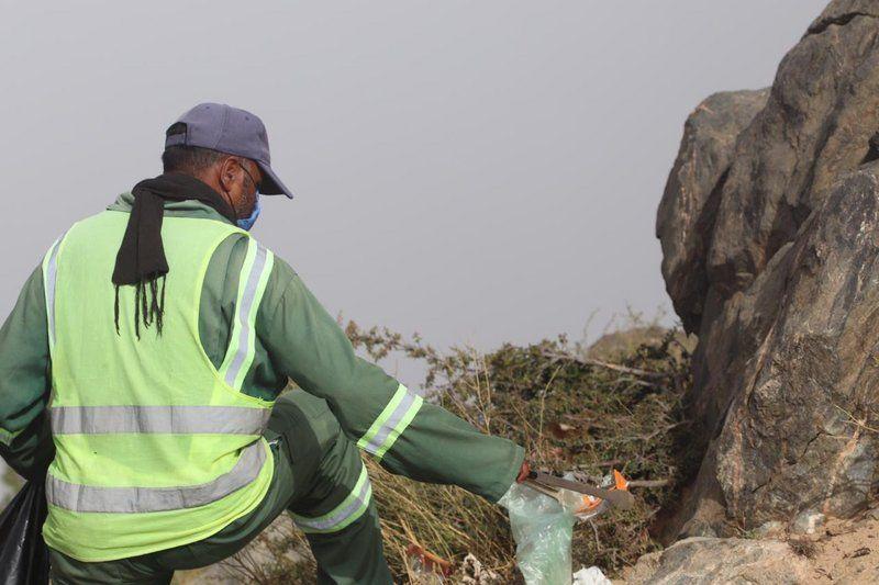 إزالة 2000 طن من النفايات في 10 مواقع سياحية بالطائف