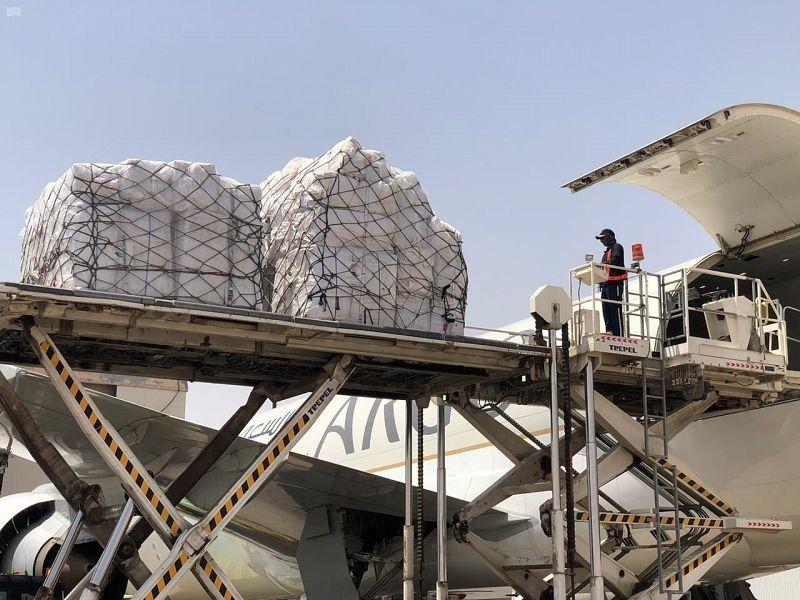 بالصور.. وصول طائرة الإغاثة الثانية ضمن الجسر السعودي لمساعدة منكوبي الفيضانات في السودان