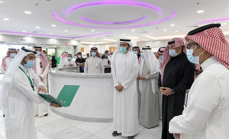 تركي بن طلال يتفقّد بيئة العمل الجديدة بمستشفى أحد رفيدة العام