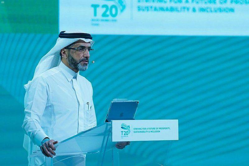 قمة الفكر T20 تناقش موضوعات البيئة والمناخ والتنمية الاقتصادية والمالية في يومها الأول