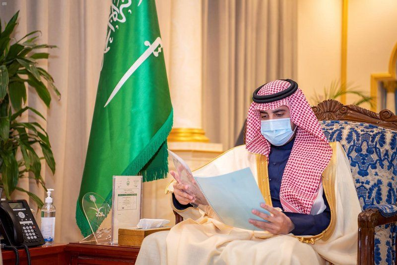 أمير الجوف يستقبل مدير التعليم بالمنطقة.. والغامدي يؤكّد اكتمال تسليم الكتب