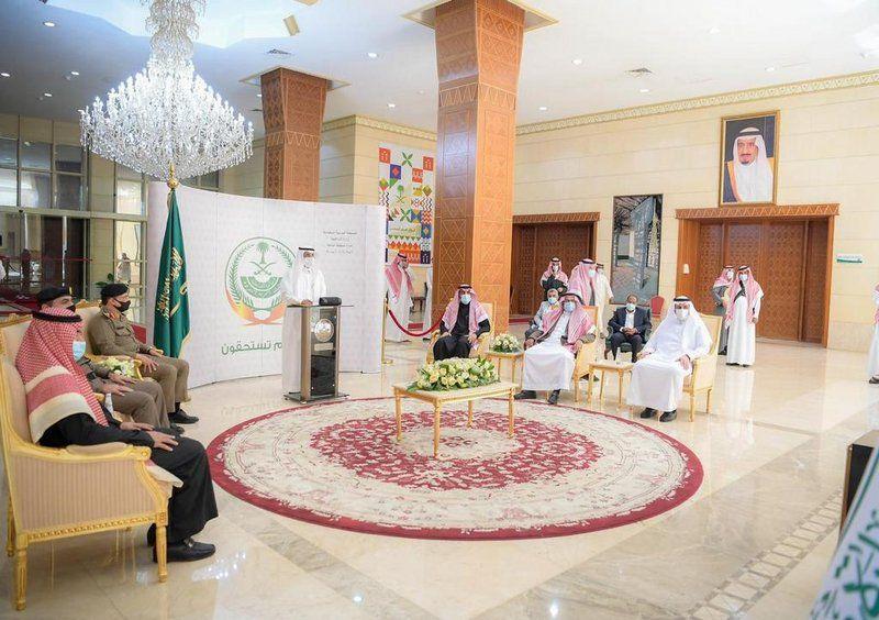 أمير الباحة ووزير النقل يدشنان مشروع ازدواج طريق
