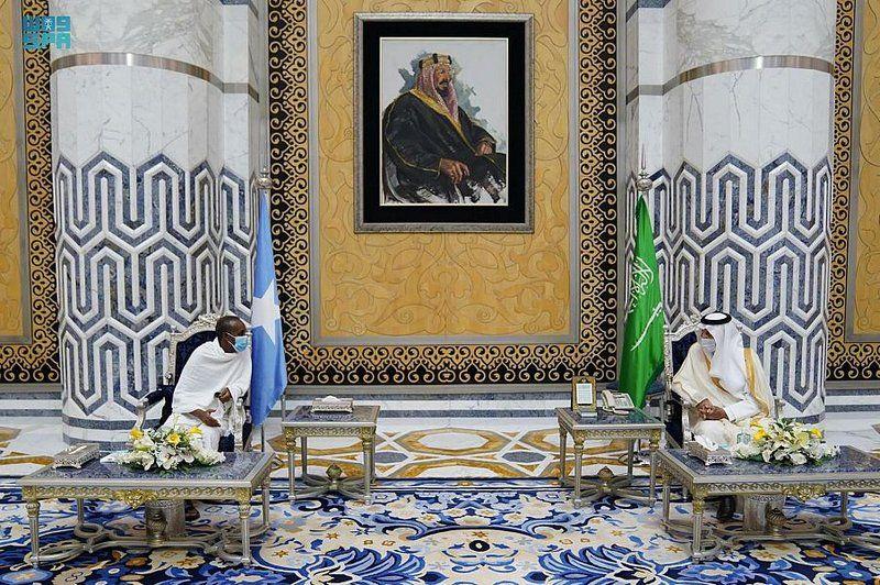 رئيس وزراء الصومال يصل إلى جدة لأداء مناسك العمرة
