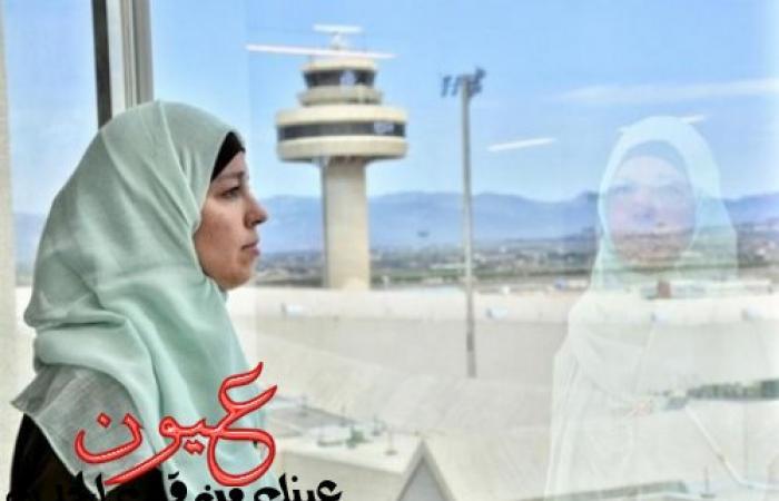 بالصور || شابة مسلمة تنتزع حقها بمبلغ كبير من شركة طيران بإسبانيا عاقبتها بسبب حجابها