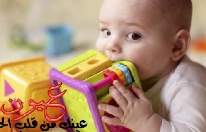 """البلاستيك به مواد سامة و""""الشخليلة"""" تؤثر على السمع.. ألعاب تضر صحة طفلك"""