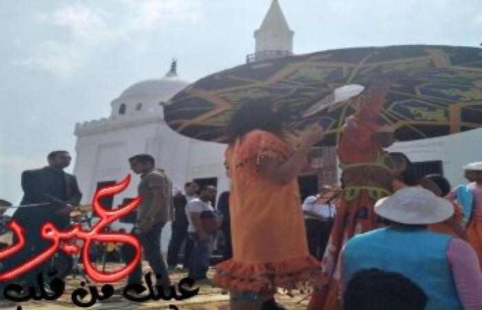 بالصور || فقرة رقص شعبي بمسجد تثير غضب المواطنين في البحيرة