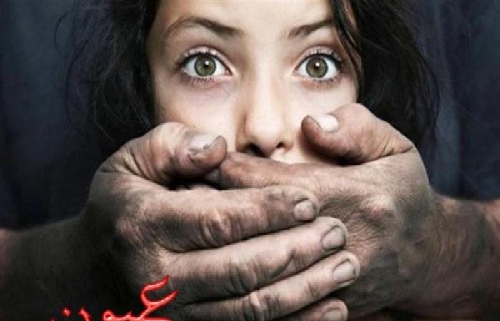 عاطلان يعتديان على عميد شرطة تدخل لإنقاذ فتاة من الاغتصاب في شارع بفيصل
