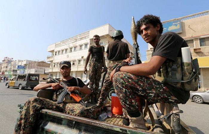 """الجيش اليمني المتحالف مع """"أنصار الله"""" يحذر من التصعيد في الحديدة ويتوعد بمفاجآت"""