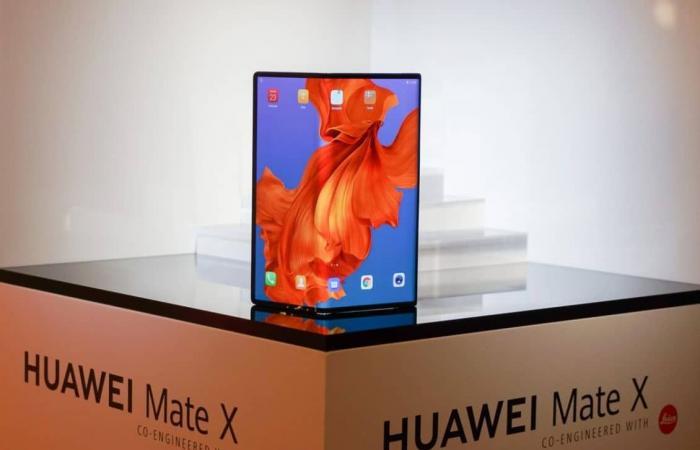 هواوي: هاتف Huawei Mate X يقدم تجارب استخدام فعالة