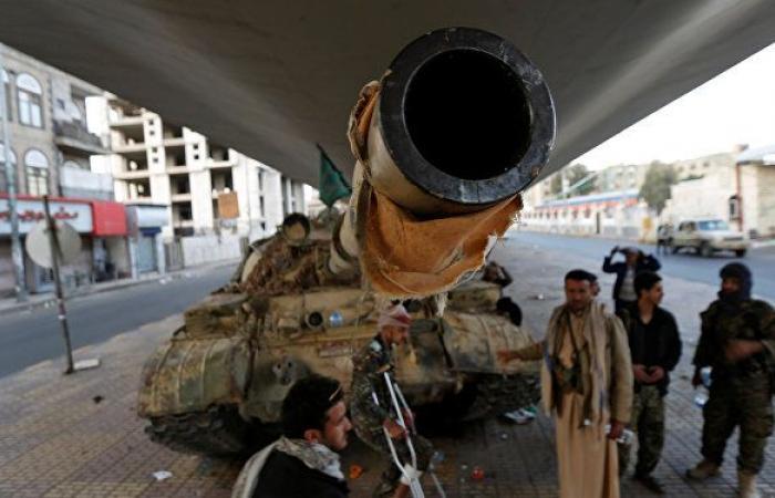 الحكومة اليمنية تحتج بخصوص إجراءات تفتيش السفن في الحديدة وتتهم غريفيث بتجاوز صلاحياته