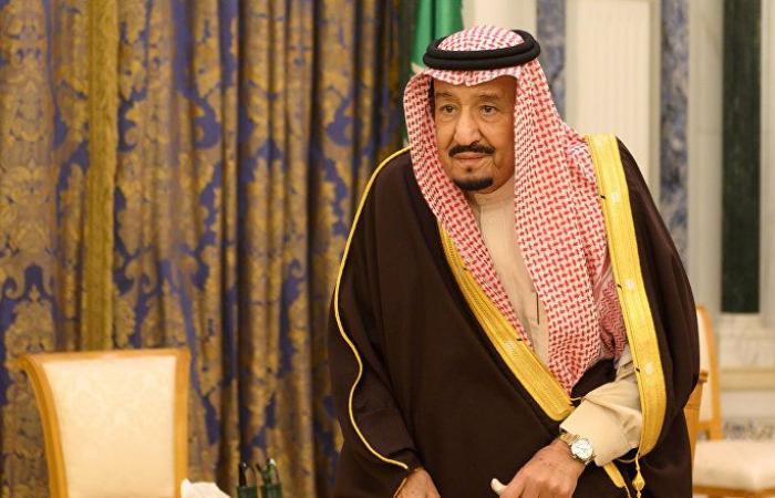 جولة للملك سلمان بصحبة الأمير خالد الفيصل... وهذا ما شاهده (فيديو)