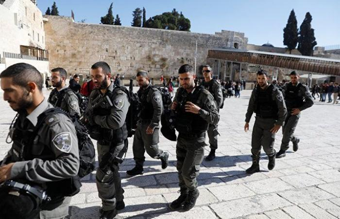بالتزامن مع الأعياد اليهودية... مستوطنون يقتحمون المسجد الأقصى والقدس ثكنة عسكرية