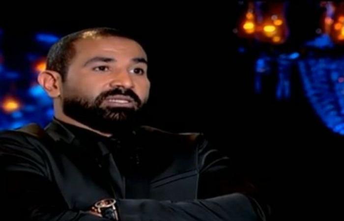 """فيديو.. """"خدعتني بسبحتها وسرقت شقتي"""".. أحمد سعد يفتح النار على طليقته سمية الخشاب"""