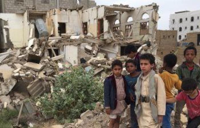 ميليشيات الحوثى تجبر اليمنيين على دفع زكاة الفطر لتمويل العمليات الحربية.. وتوظيف الامسيات الرمضانية لاستقطاب الشباب لجبهات القتال