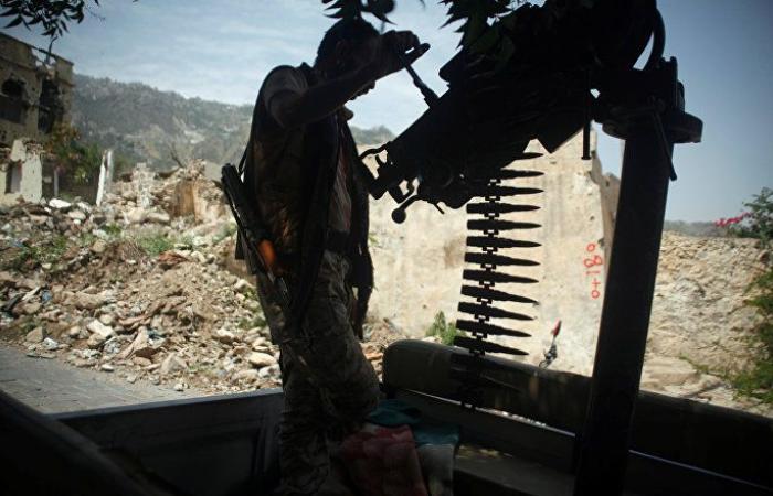"""الجيش اليمني يعلن إسقاط طائرة مسيرة لـ""""أنصار الله"""" في الضالع"""