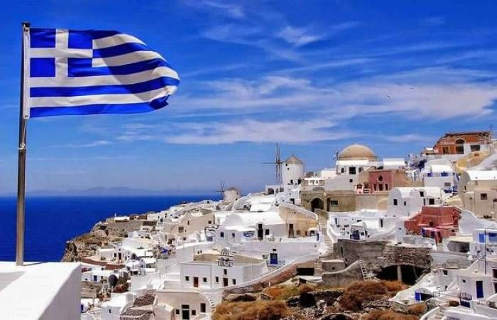 عائد السندات اليونانية يتراجع لمستوى تاريخي مع الدعوة لانتخابات مبكرة
