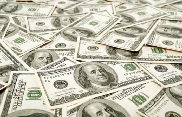 ارتفاع الدولار الأمريكي عالمياً في ترقب التطورات الاقتصادية والسياسية
