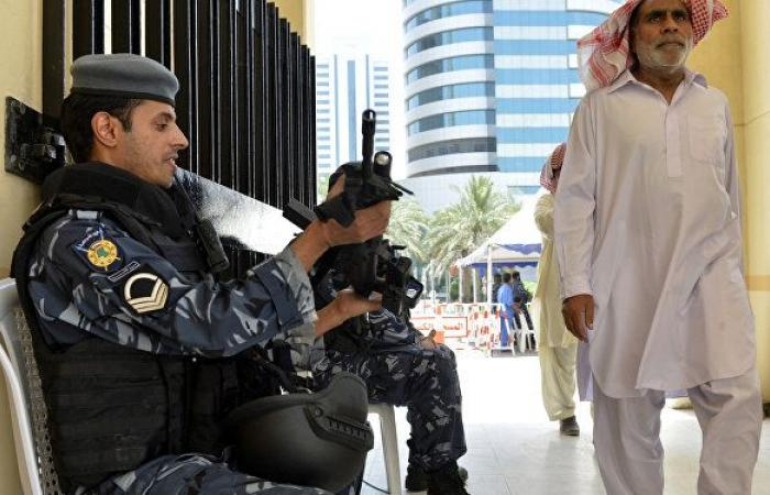 كاميرات المراقبة تكشف حادثة تحرش بطلها وافد عربي في الكويت