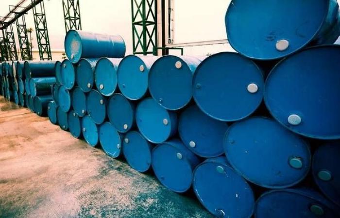 مخزونات النفط بالولايات المتحدة ترتفع بعكس التقديرات