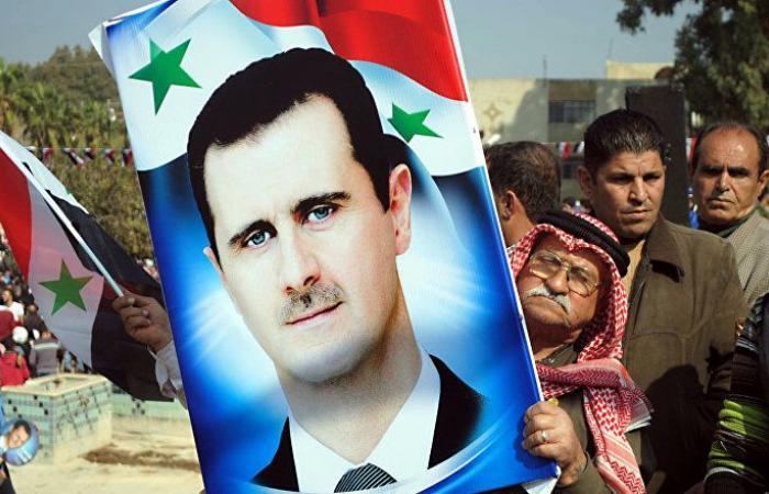 صورة قديمة للرئيس بشار الأسد في مرحلة الدراسة الثانوية