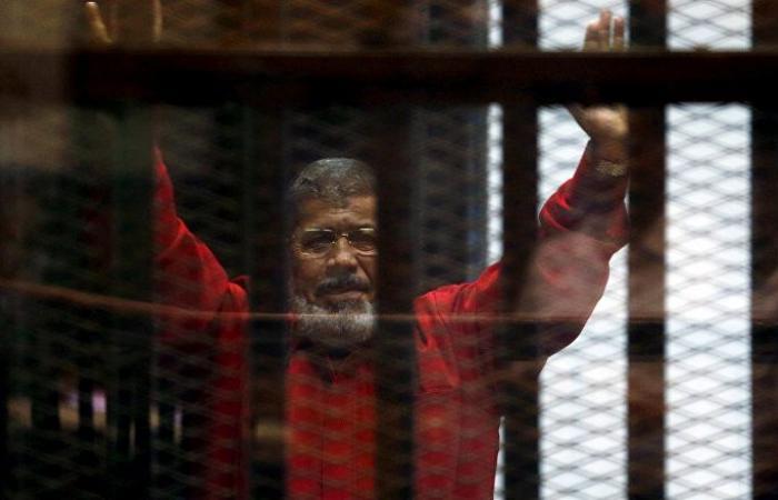 محامي مرسي يكشف إجراءات دفنه وتفاصيل الدقائق الأخيرة في حياته