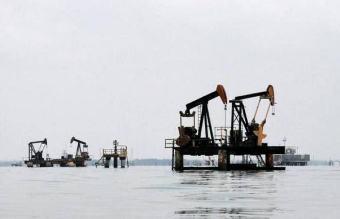 محدث.. النفط يرتفع 5% ليسجل أكبر مكاسب يومية بالعام الجاري