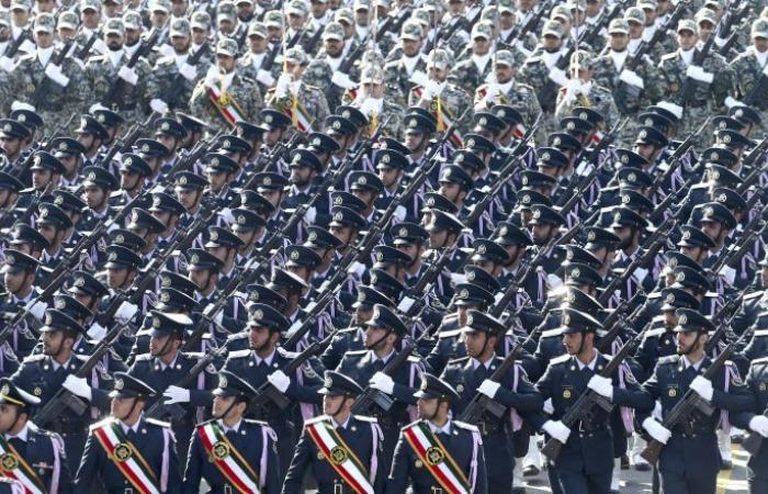 الجيش الإيراني يعلن استعداده لإجراء مناورات مشتركة مع العراق