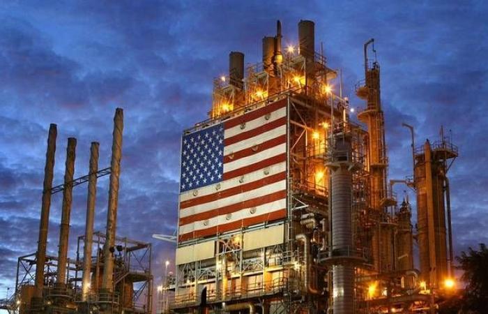 إنتاج النفط الأمريكي يتراجع 300 ألف برميل في 3 أسابيع