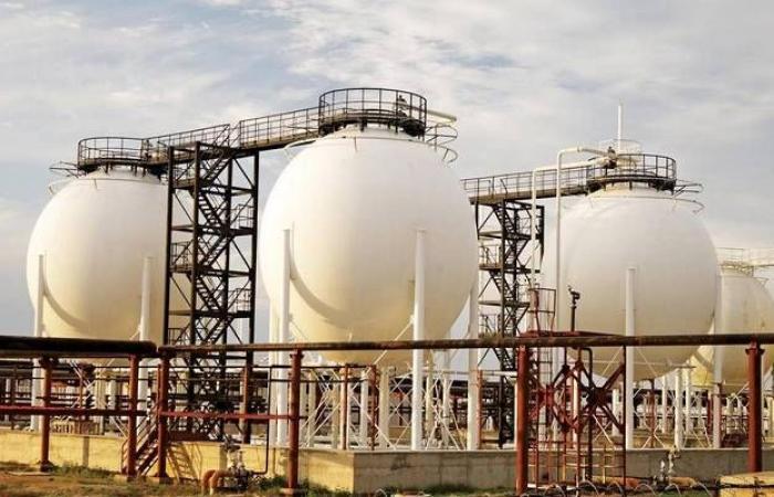 ارتفاع مخزونات الغاز الطبيعي الأمريكية بأقل من التقديرات