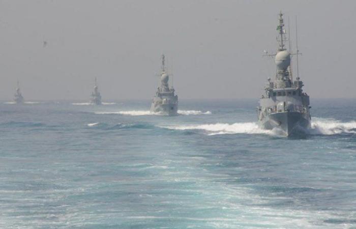 مسؤول سعودي: تحالف دعم الشرعية يواكب السفن في البحر الأحمر