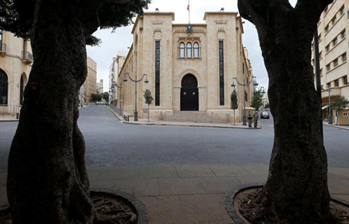 بالفيديو: سجال بين نائبين لبنانيين في البرلمان خلال جلسة الموازنة