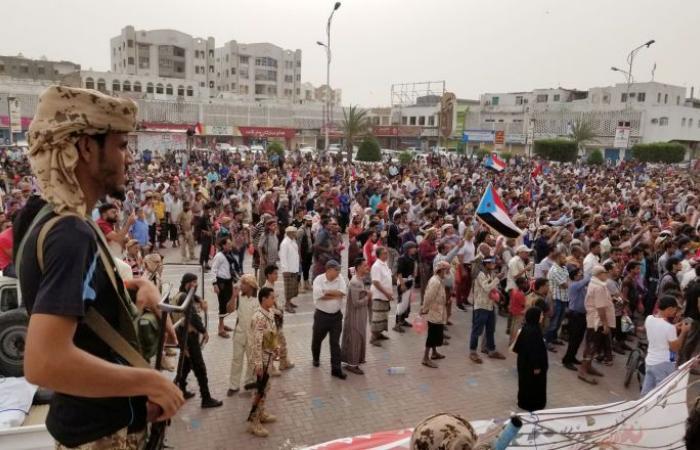 """المجلس الانتقالي الجنوبي للسعودية: اطردوا """"الإصلاح"""" أو اخسروا الحرب"""