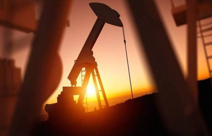 هبوط أسعار النفط قبيل بيانات المخزونات الأمريكية