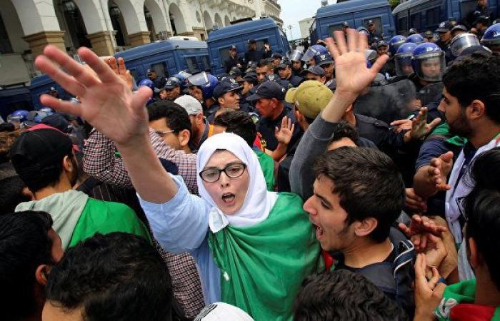 """عضو سابق بـ """"الأمة الجزائري"""": رئيس الحكومة يتقدم باستقالته في هذه الحالة"""