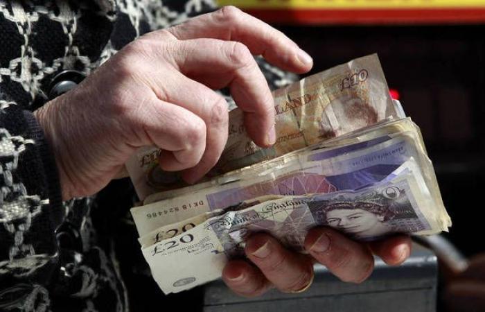 بريطانيا تُسجل فائضاً بالموازنة بأقل من التوقعات خلال يوليو