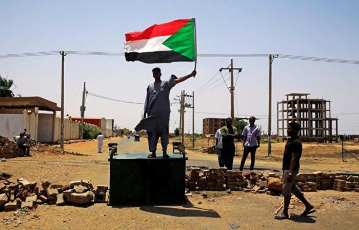 المبعوث الأمريكي إلى السودان: ندعم الحكومة المدنية