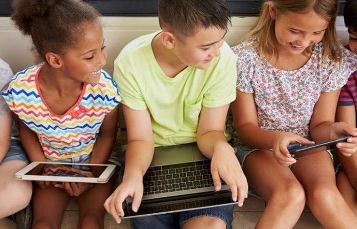 4 تطبيقات تساعدك على مراقبة أجهزة أطفالك والتحكم فيها