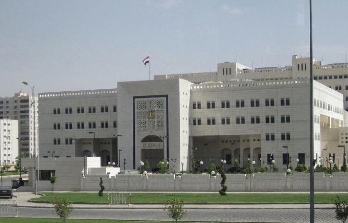 الحكومة السورية تشكل لجنة لمتابعة تنفيذ توصيات مجموعة إصلاح القطاع العام