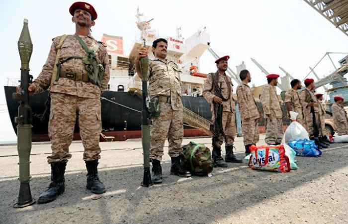 """""""أنصار الله"""" تعلن مقتل وإصابة عسكريين يمنيين في جيزان"""