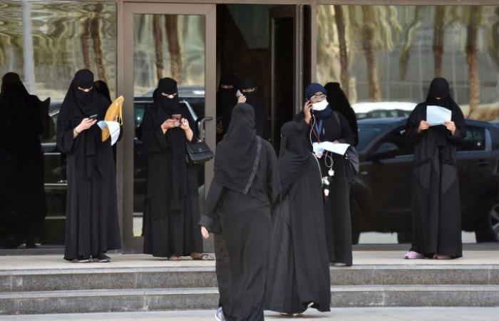 إحداهن سارت دون عباءة... 5 نساء أحدثن ضجة في الوطن العربي