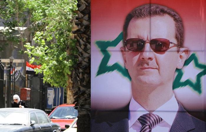بالفيديو... مواطنون يفاجئون الأسد لحظة دخوله وعائلته دار الأوبرا