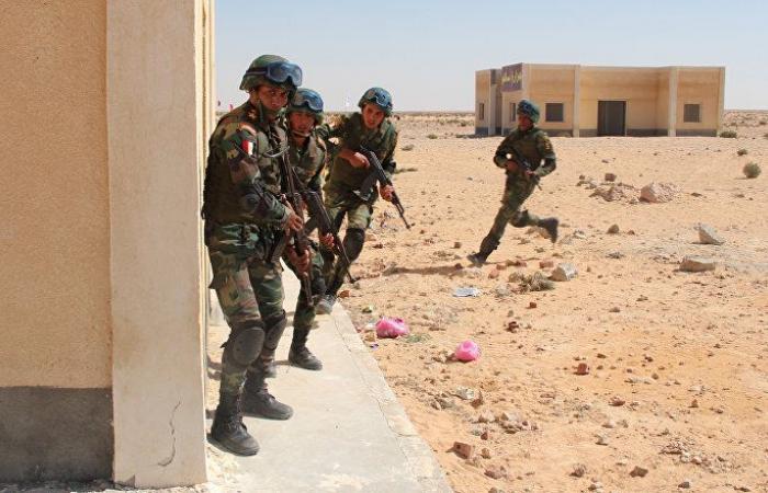 تفاصيل لقاء وزير الدفاع المصري مع مقاتلي الصاعقة والمظلات